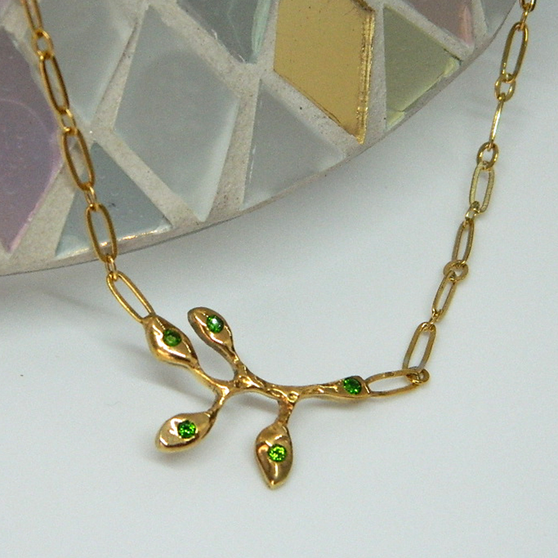 Collier branche Diopside